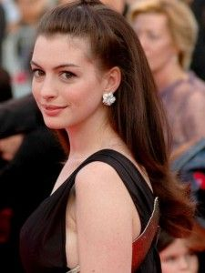 Anne hathaway set to play judy garland in a biopic without darren anne hathaway set to play judy garland in a biopic without darren aronofsky publicscrutiny Gallery
