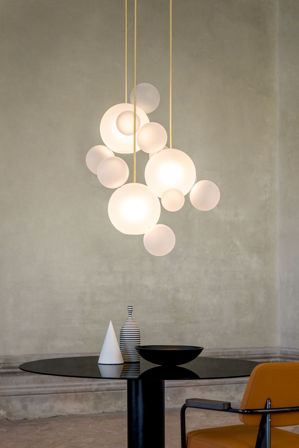 Giopatocoombes_Ph_Nathalie_Krag_2019_Bolle Circular Chandelier 14 Bubbles #bubblekronleuchter