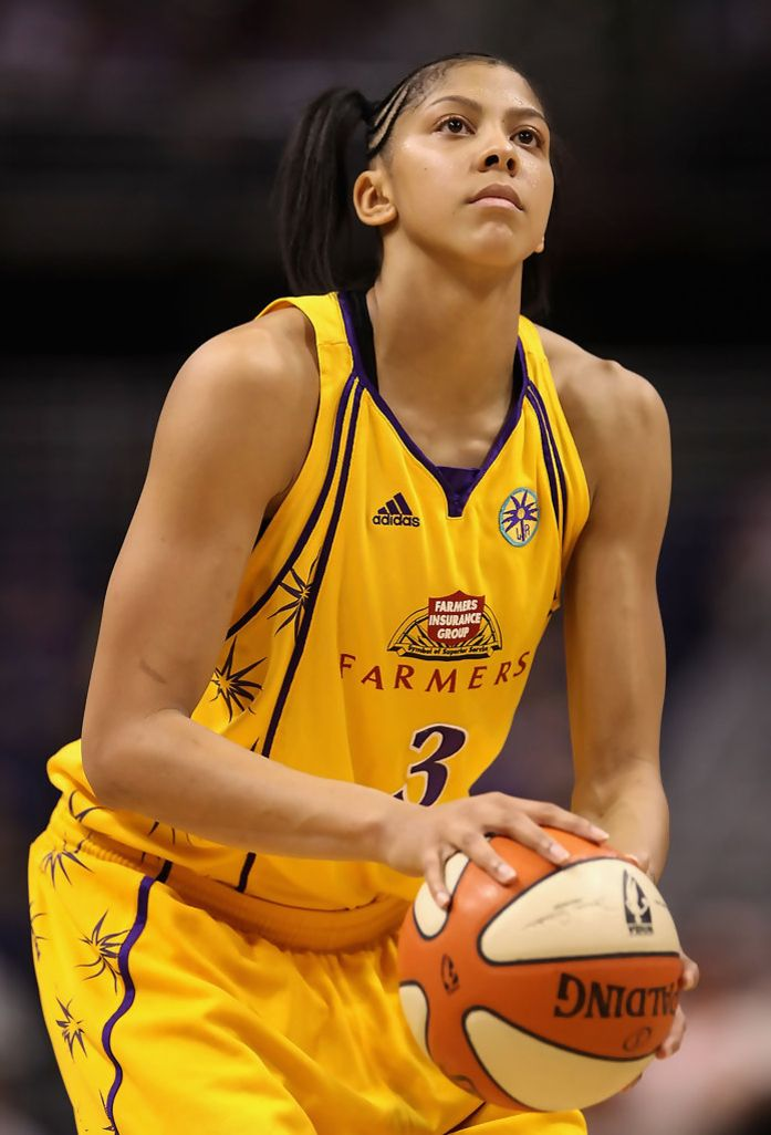 Candace Parker She Led The Us Women S Basketball Team To Their 5th Consecutive Olympic Gold Parker Finished With 21 Candace Parker Candace Basketball Players