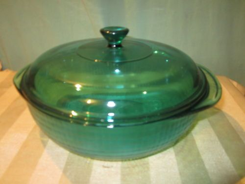 VINTAGE PYREX GREEN / EMERALD DEPRESSION GLASS CASSEROLE WITH LID