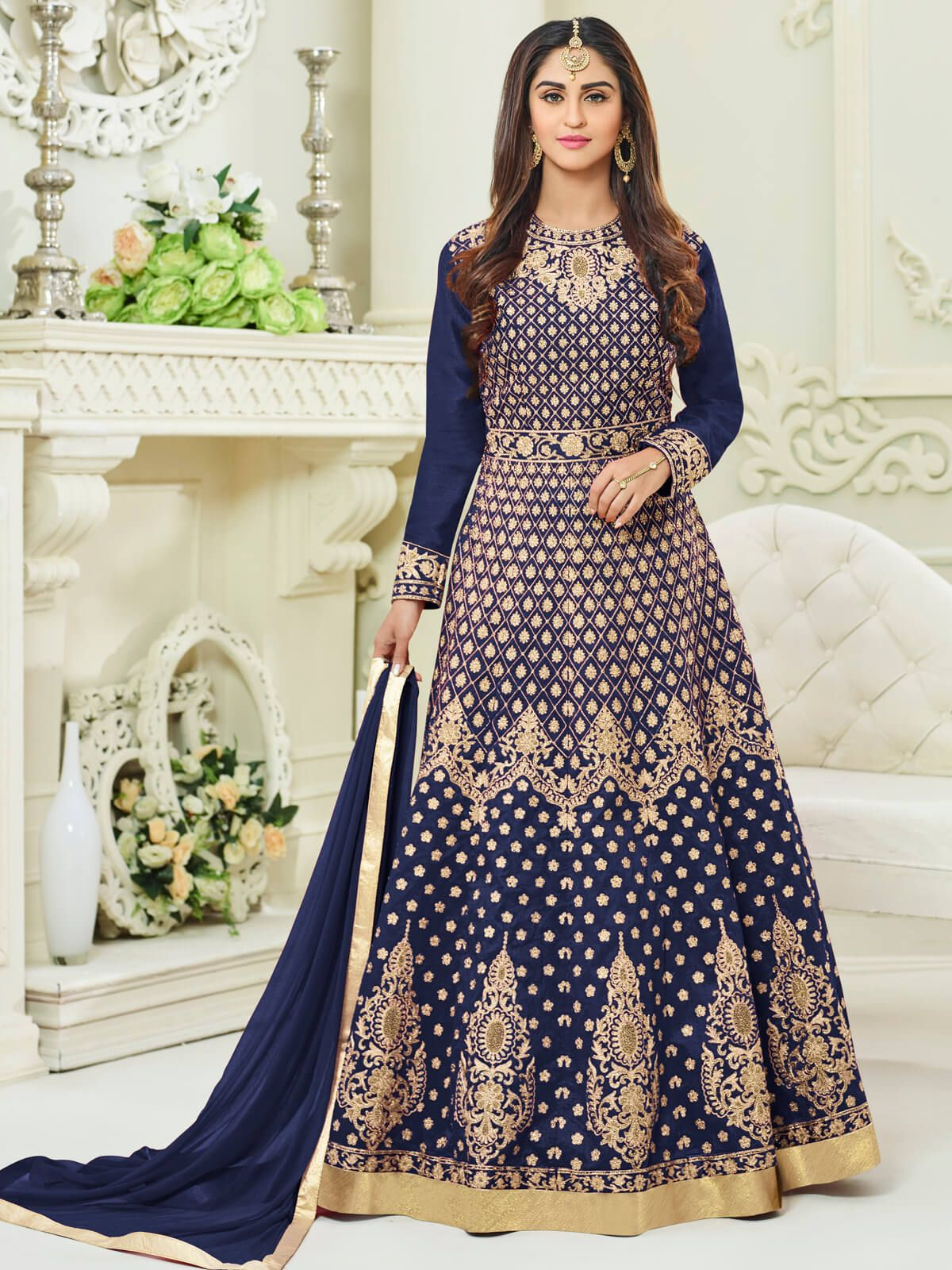 Fetching navy blue taffeta party wear anarkali suit. Having fabric taffeta, silk, santoon and nazneen. This attire is nicely designed with embroidery work, resham embroidery work, zari work, cording work, stone work and zari border. Comes with matching bottom and dupatta. #mydesiwear #AnarkaliSuits #Silk #SalwarSuits #OnlineShopping #FloorLengthAnarkali #PunjabiSuits #PartyWearSalwarSuits #AnarkaliSalwarKameez #BuyWeddingSuits #WeddingTrendz #StyleWedding #WeddingCollection #StyleBride