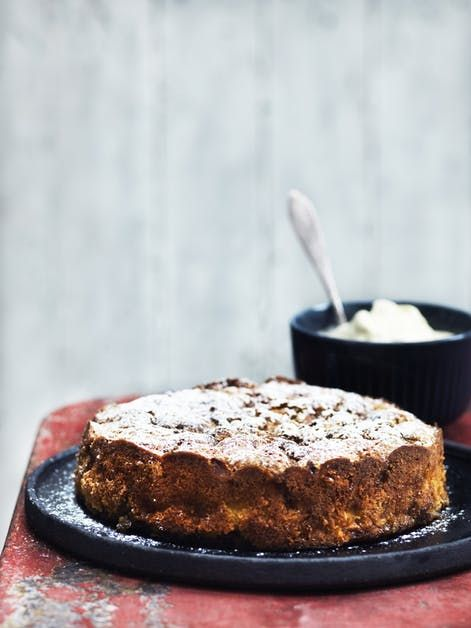Bagt Aeblekage Med Rort Vaniljeis Bagt Aeblekage Mad Ideer Dessert