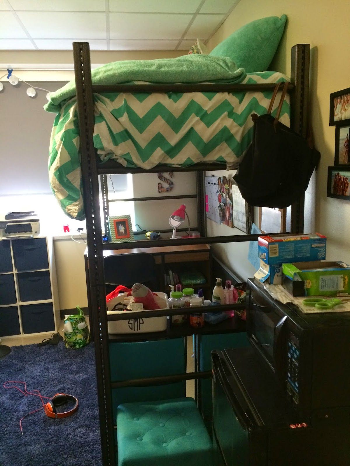 Photo Wall Ideas College Cool Dorm Rooms