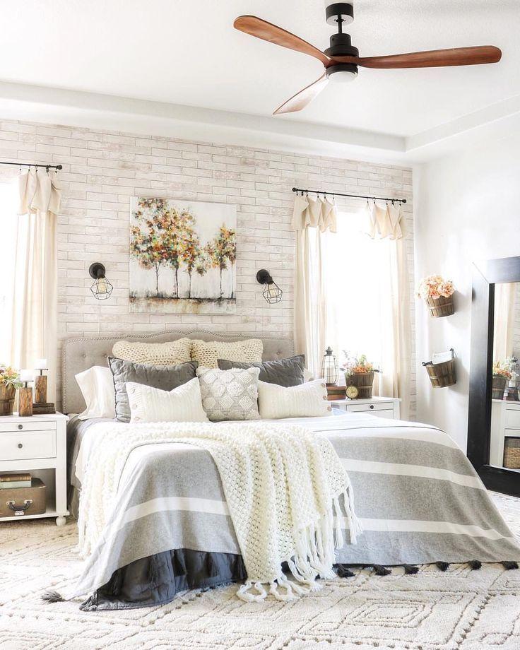 Pale Gray WhiteWashed Faux Brick Wallpaper