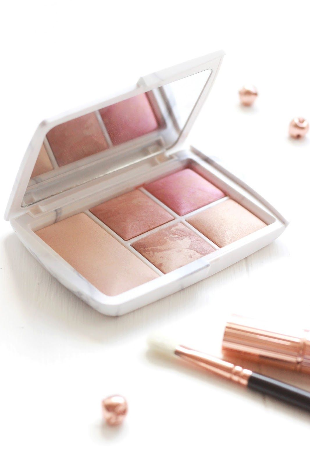 Hourglass Ambient Surreal Light Palette