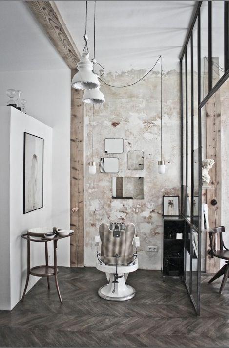 """Salon de coiffure """"Le discret"""" verrière métallique"""