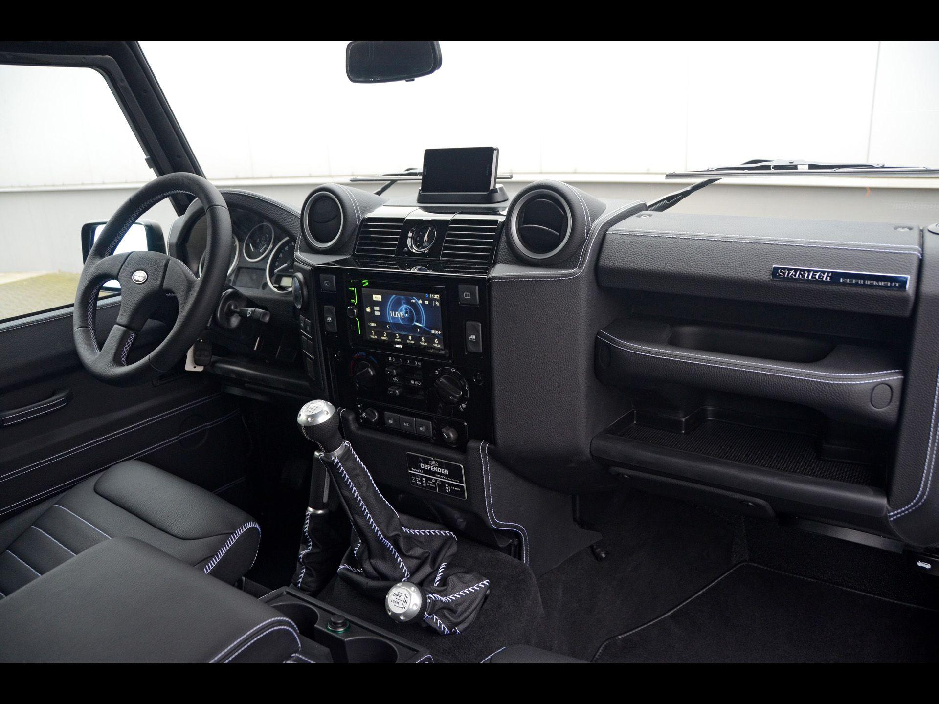 land custom rovers pin dashboard pinterest landrover rover defender lover interiors