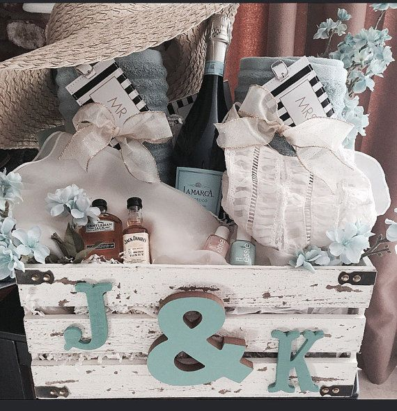 Diy Wedding Gift Basket Ideas: Honeymoon Gift Baskets, Wedding