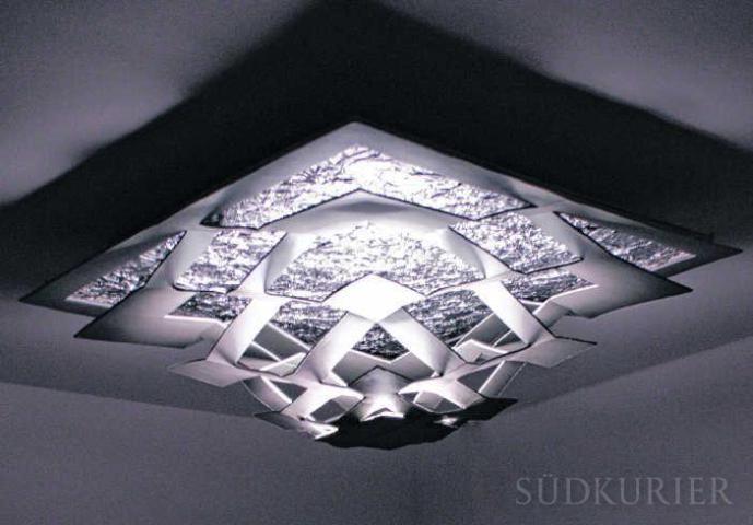 Crystaluna heißt die von Aline Hatt entworfene Lampe.