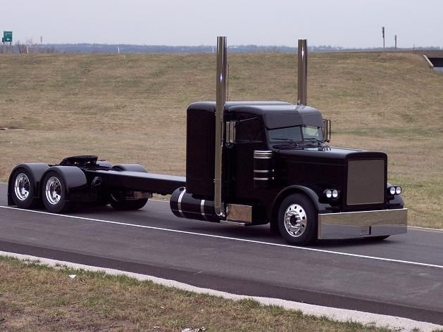 Custom Black Semi Learn How To Find The Best Truck Driving Schools In Delaware At