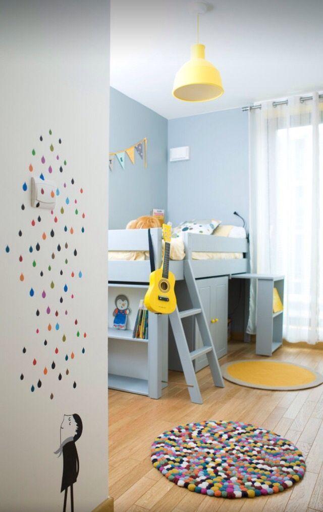 Chambre enfant bleu ciel et jaune. - Room sky blue and ...
