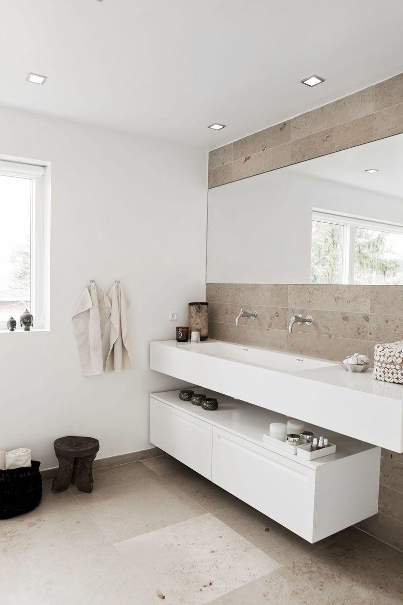 Badezimmer Regal Entwurfe Und Ideen Die Offenheit Und Stilvolles Dekor Unterstutzen Mit Bildern Stil Badezimmer Badezimmer Design Badezimmer Neu Gestalten