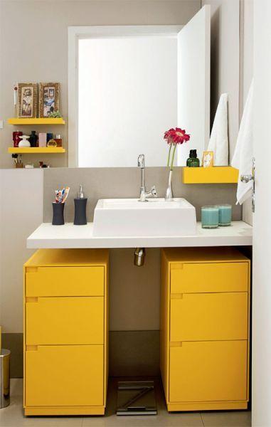 (Foto: arianelimaarquitetura.com.br) #banheiro #balcão #colorido