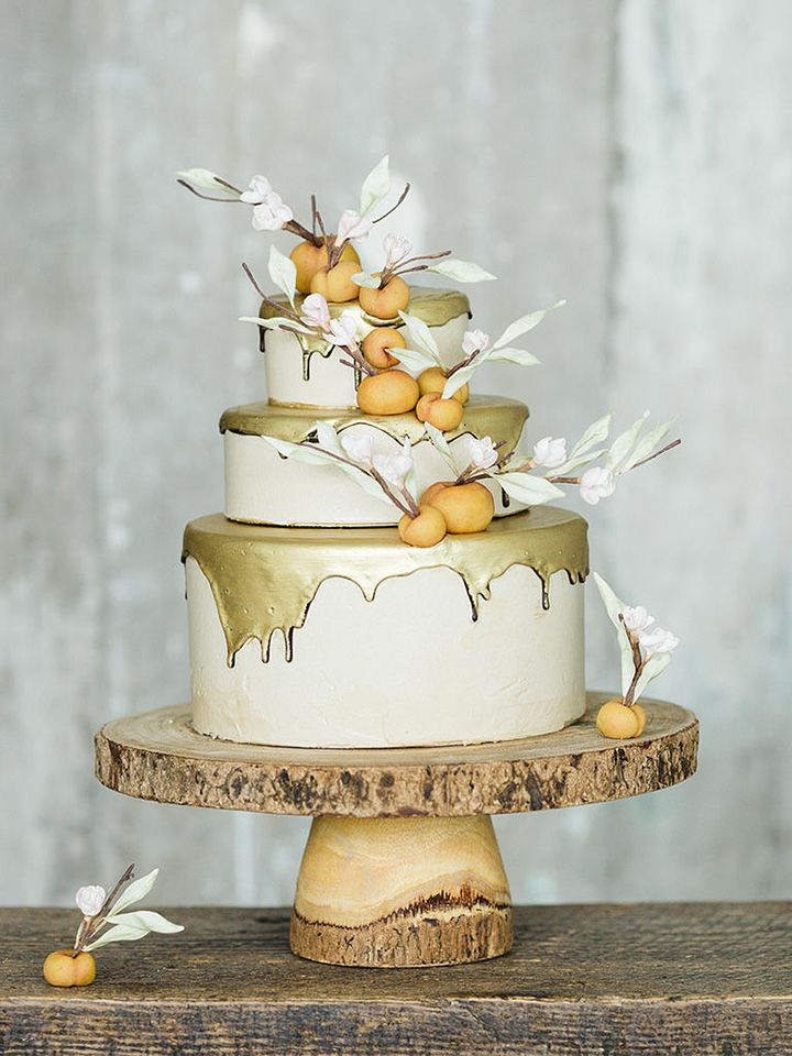 Lael Cakes Gluten Free Vegan Wedding Gold Drip Cake With Fondant