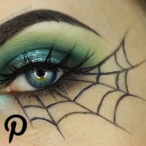 Spiderweb eyeliner for a simple and chic Halloween look Who can pull this off Spiderweb eyeliner for a simple and chic Halloween look Who can pull this off