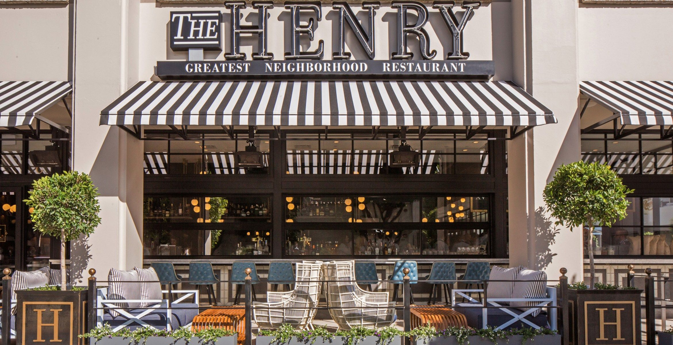 Fashionable Resto The Henry Joins Robertson Plaza S Stylish And Bike Friendly Makeover Uncover Los Angel Restaurant Concept Los Angeles Restaurants La Trip
