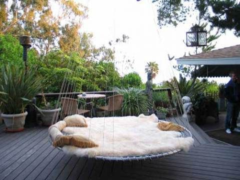 Pin By Lila On Wohnung Backyard Trampoline Backyard Outdoor Bed