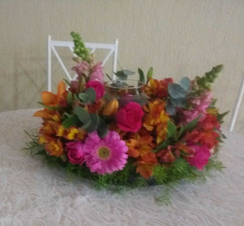 Arranjo Guirlanda Multicolorido Para Mesa De Convidados