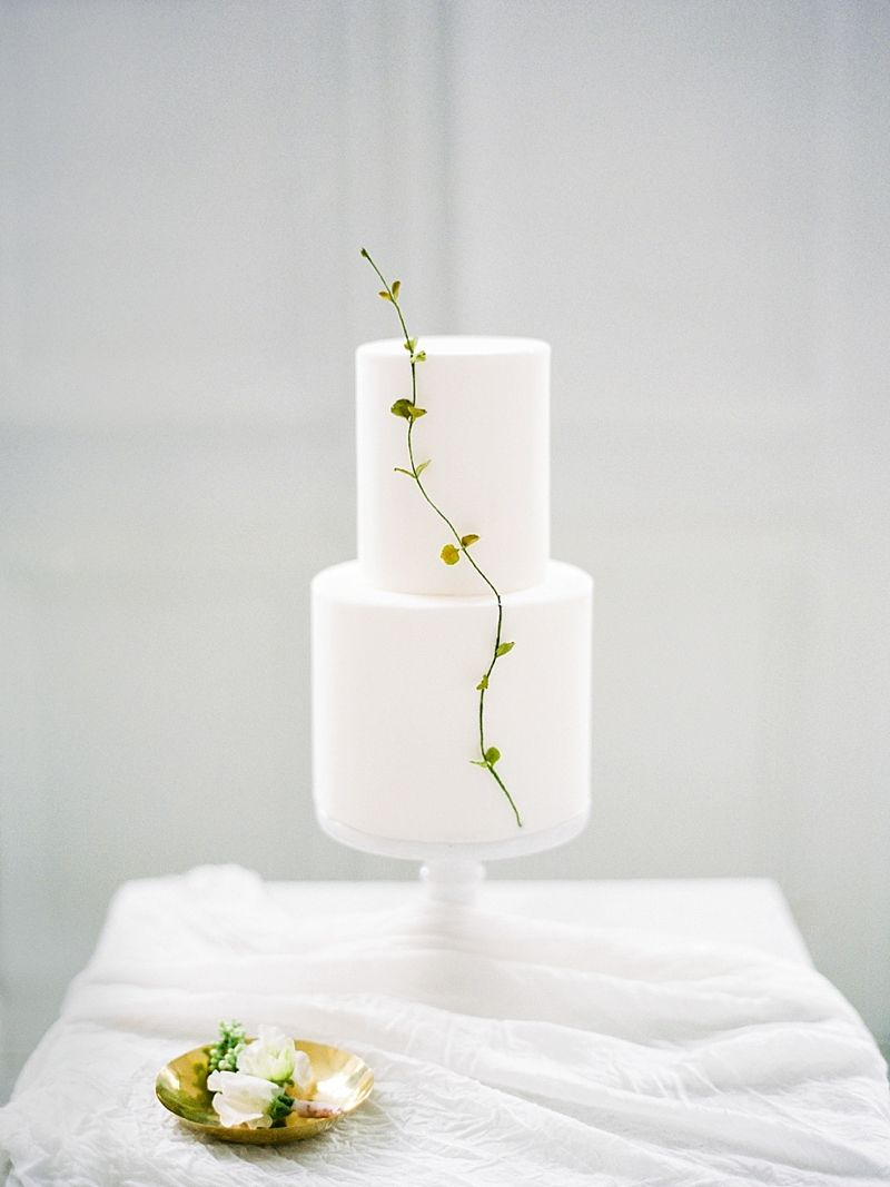 Go Simple and Chic with These Gorgeous Minimalist Wedding Ideas