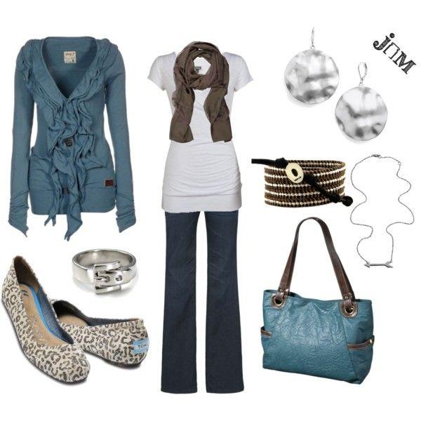 Soooo cute. I love the cardigan and bag.