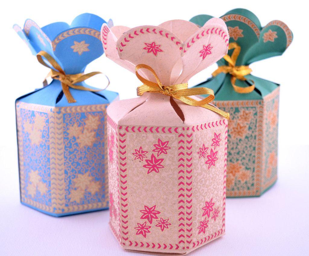 Flower Top Indian Wedding Favor Box   A+M   Pinterest   Gold ribbons ...