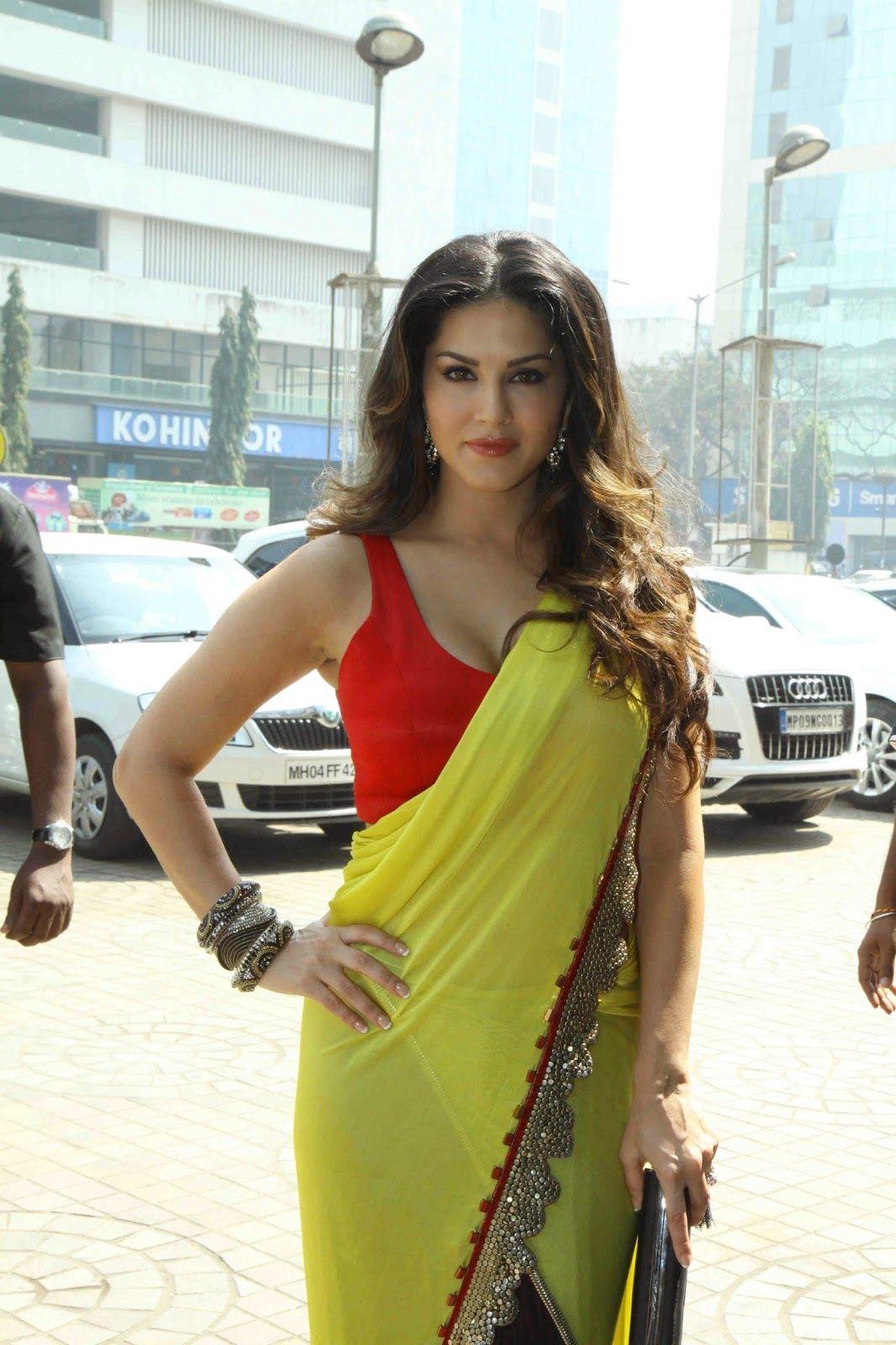 in sunny nacked saree leon