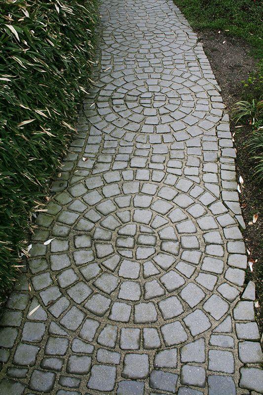 Caminho de pedras De Tuinen van Appeltern