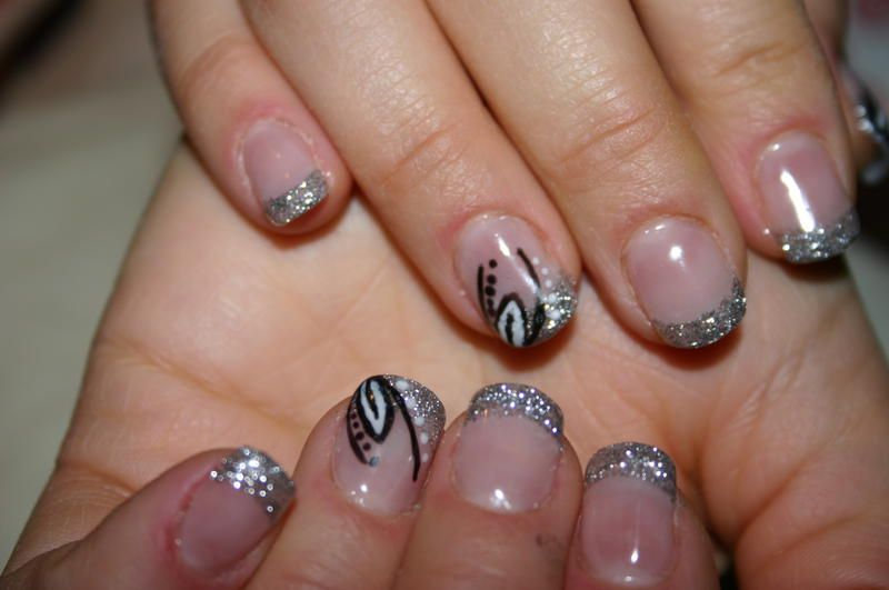 Holen Sie Sich Die Besten Manikure In Zurich Manikure Dienstleistungen Zurich Manicure Toe Nail Art French Manicure