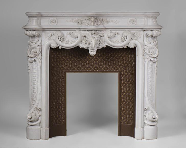 Exceptionnelle cheminée ancienne de style louis xv en marbre statuaire de carrare de lentourage