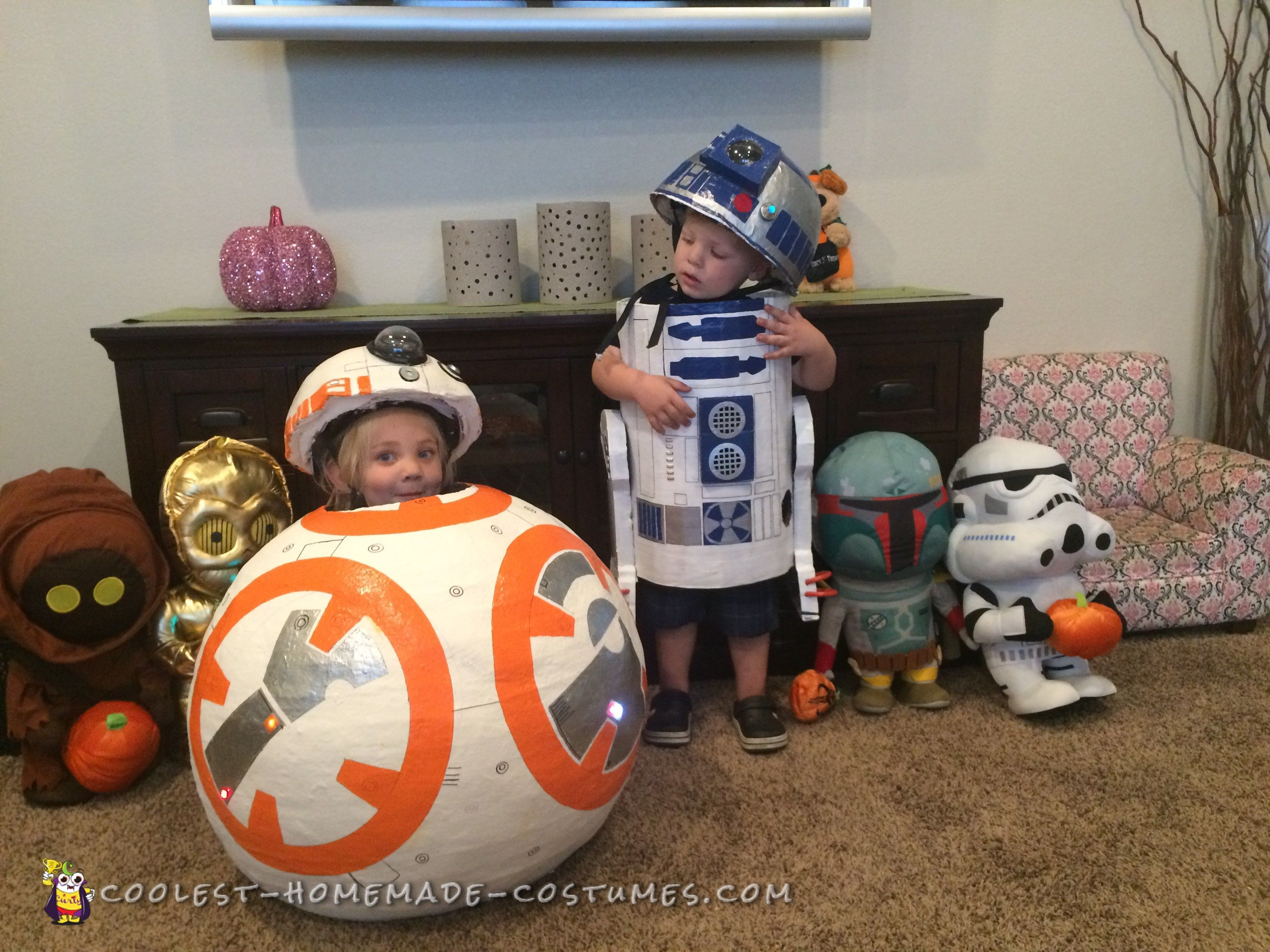 Coolest Homemade Wall E & Eve Costumes | Eve costume and Costumes