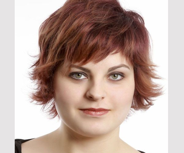 Short Hairstyles Women Over Round Face