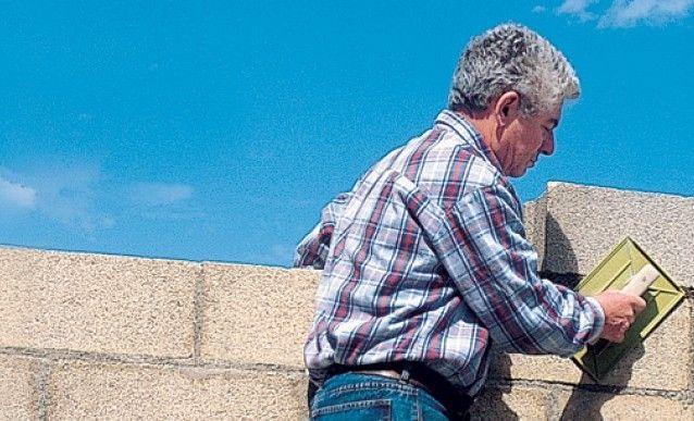 Construire un mur en parpaings Construction and Desks