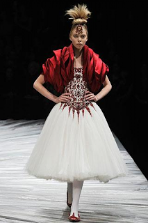 c6c91d74b7 Victorian Era fashion and Its Influence on Alexander McQueen s Design