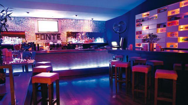 Ideas para decorar restaurantes urbanos restaurantes for Decorar restaurante pequeno