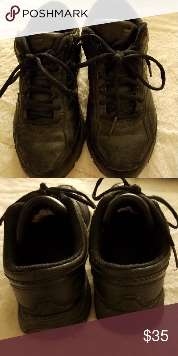 06bdd2e242 Black FILA Anti Slip Sneakers Size 9 Women's Very gently used ...