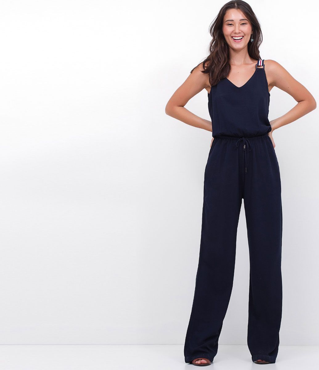 ab35ab1bd4 Macacão feminino Modelo longo Com bolsos Com alça de fita Marca: Marfinno  Tecido: Liocel Modelo veste tamanho: P Medidas do modelo: Altura: 1,72  Busto: 80 ...