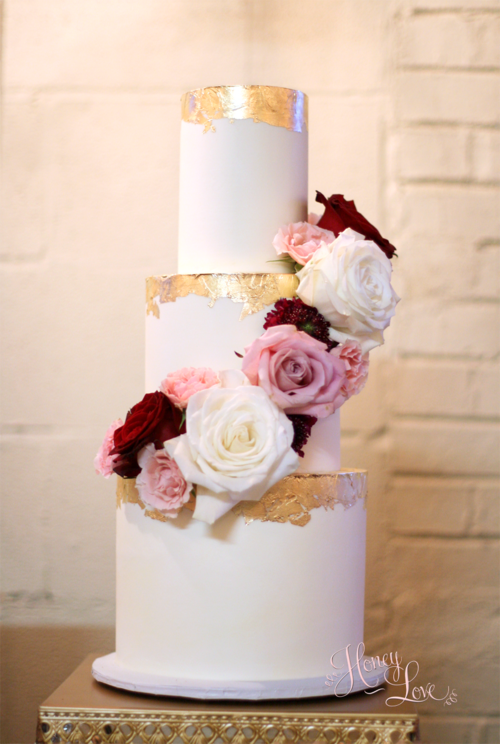 wedding cake layers per tier this smooth buttercream wedding cake is accented 23075
