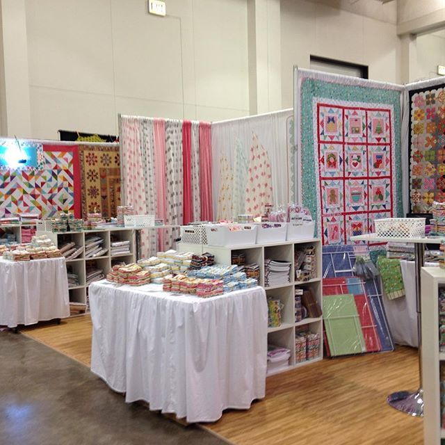 Hmm. Fabric manufacturer Riley Blake has a 300 sq ft retail booth ... : madison quilt show - Adamdwight.com