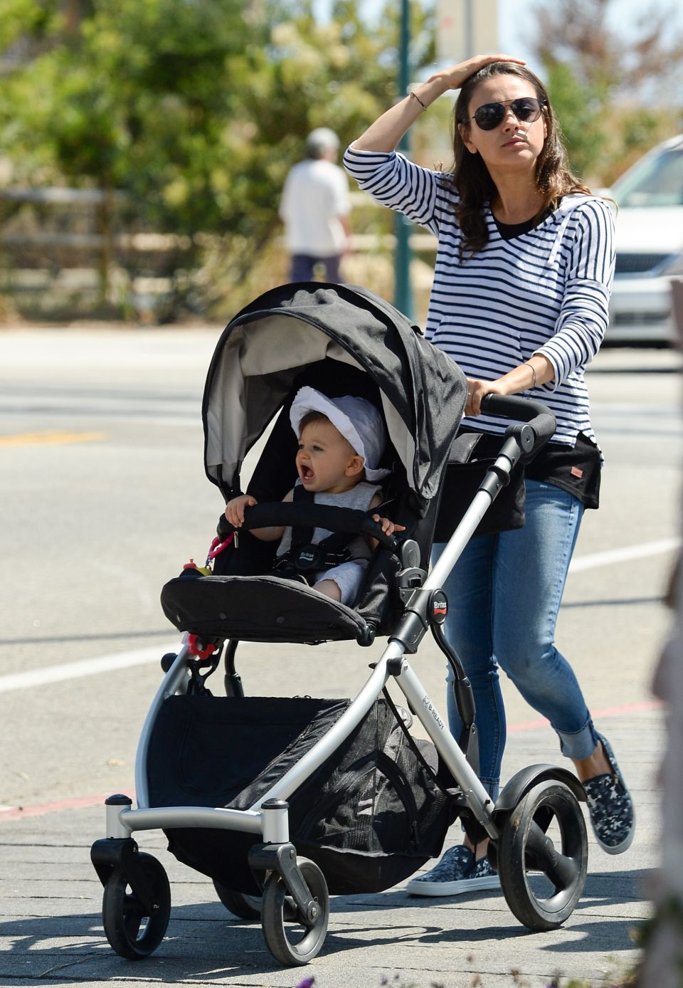 Lunch Date Mila Kunis Ashton Kutcher And Adorable Baby Wyatt
