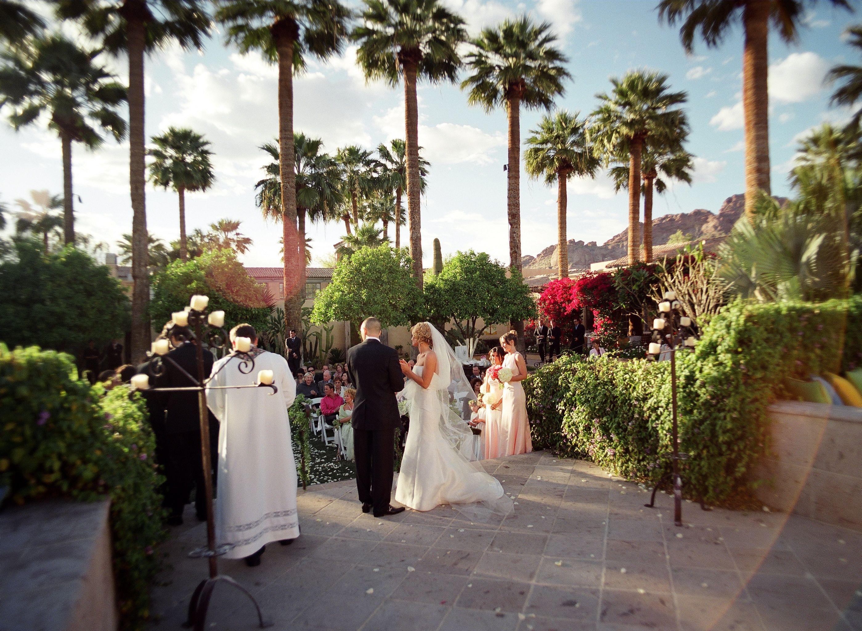 Stunning views for your extraordinary day. Vernadero Lawn Ceremony at Royal Palms Resort and Spa Christine Johnson Photography  Phoenix/Scottsdale Wedding venue http://www.royalpalmshotel.com/weddings/phoenix-arizona-weddings