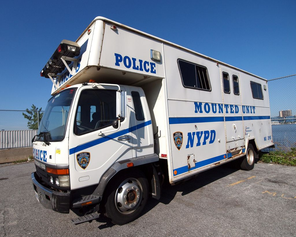Nypd Mounted Unit Police Truck Manhattan New York City Police Truck Police Police Cars
