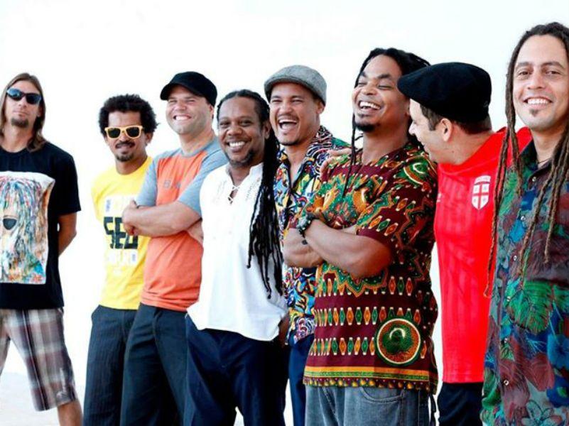 """Nesta terça-feira, dia 28, às 21h, o """"Sonido Projeto"""" recebe o grupo de etimologia africana N'zambi, que leva suas músicas ligadas à conscientização social e celebração da vida ao palco da Rouge."""
