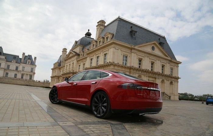 Tesla 85D