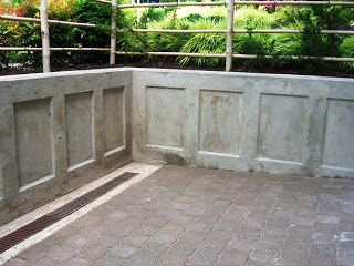 Pin By Jamie On Yard Ideas Concrete Retaining Walls Poured Concrete Patio Retaining Wall Design