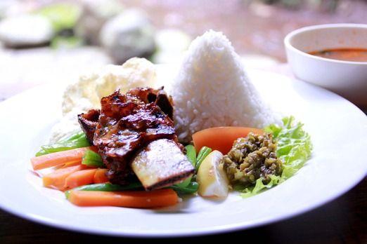 Kampung Daun Sop Iga Bakar Photo By Rian Farisa Food Gastronomy Travel Food