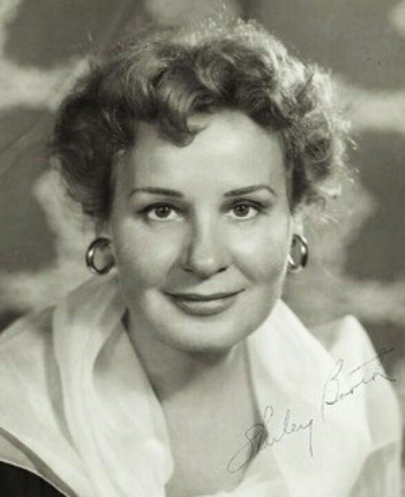 Shirley Booth, winner of the Best Actress Oscar, 1953 (Come Back ...
