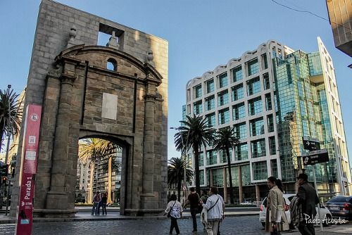 Puerta de la Ciudadela, Montevideo