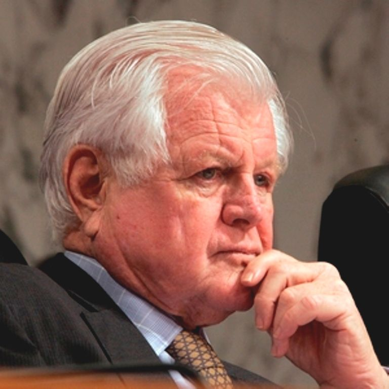 """#Ted_Photos http://en.wikipedia.org/wiki/Ted_Kennedy Edward Moore """"Ted"""" Kennedy (February 22, 1932 – August 25, 2009)❤❃❤"""