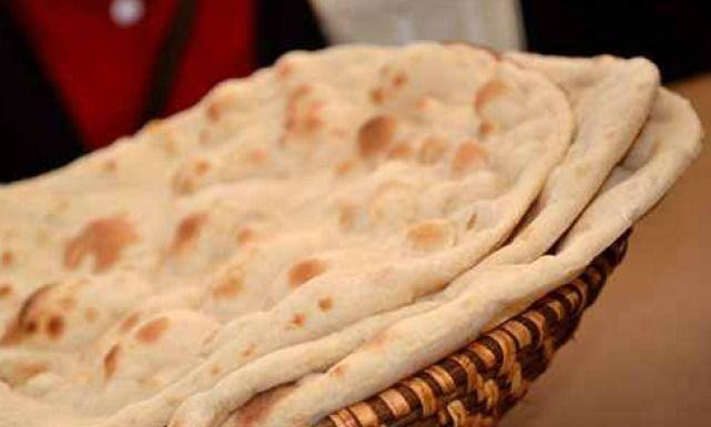 طريقة عمل خبز حار Recipe Recipes Pizza Bread Food