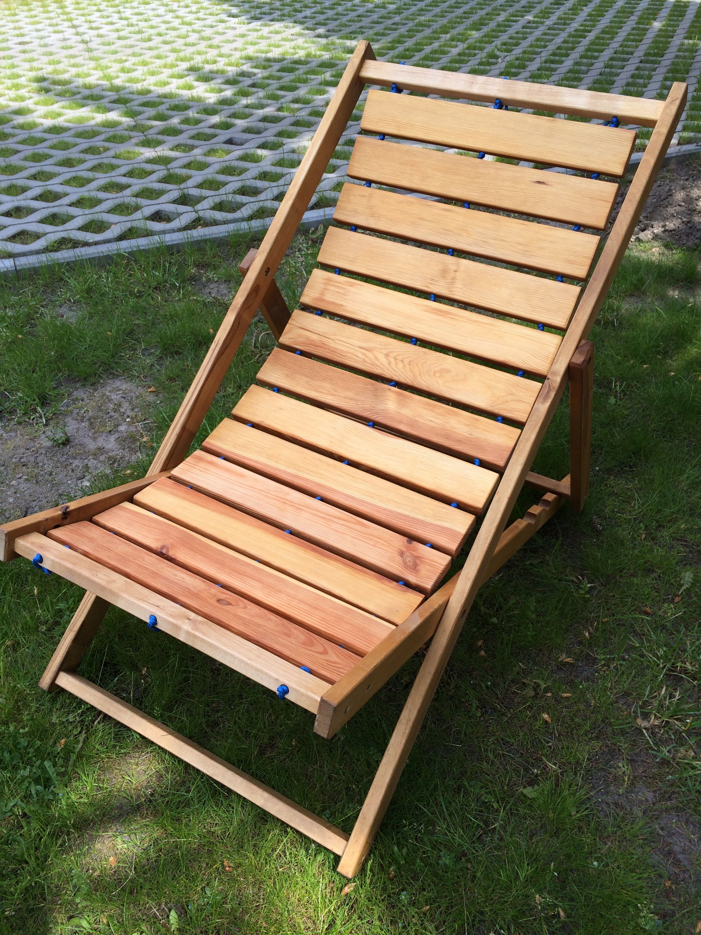 DIY scrapwood sunbed deck chair